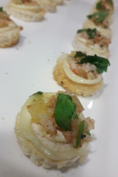 Shrimp canapé and garlic mayonnaise